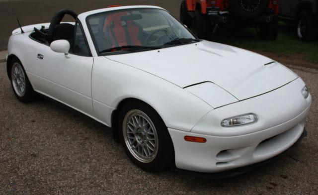 mazda mx 5 miata convertible 1992 white for sale jm1na3518n1316429 rh findclassicars com 1992 mazda miata manual transmission 1992 mazda miata manual steering rack