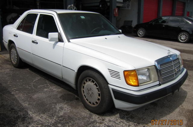 mercedes benz 300 series sedan 1992 white for sale wdbeb28d3nb650339 1992 mercedes benz 300d. Black Bedroom Furniture Sets. Home Design Ideas