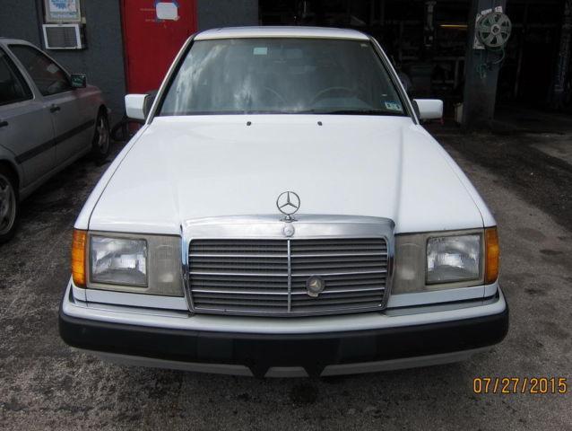 Mercedes benz 300 series sedan 1992 white for sale for Mercedes benz e300 turbo diesel for sale