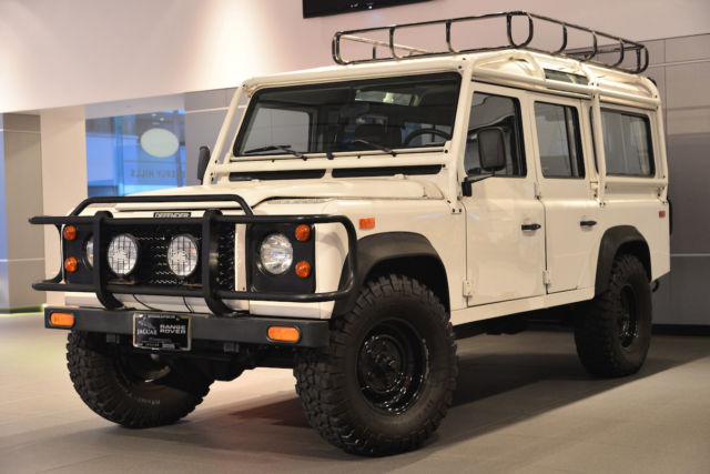 Land Rover Defender SUV 1993 White For Sale. saldh1284pa920844 1993