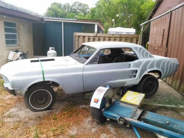 ford mustang coupe 1967 gray primer for sale 67 mustang coupe good straight body ford 9 rear. Black Bedroom Furniture Sets. Home Design Ideas