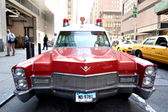 Cadillac Ambulance high top ambulance 1968 red/white For Sale