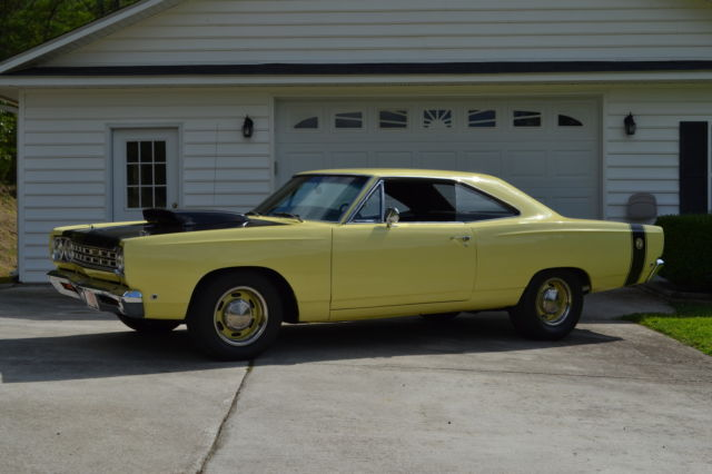 Plymouth Satellite Coupe 1968 Yellow And Flat Black For Sale
