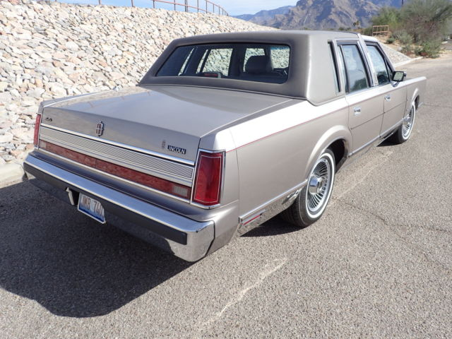 Lincoln Town Car Sedan 1989 Silver Grey Two Tone For Sale 1lnbm83f4ky747161 Beautiful One Owner