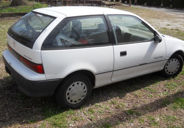 Geo Metro Hatchback 1992 White For 2c1mr246xn6790016 Chev Repair Ev Conversion Or Parts Motor Kaput New Tires