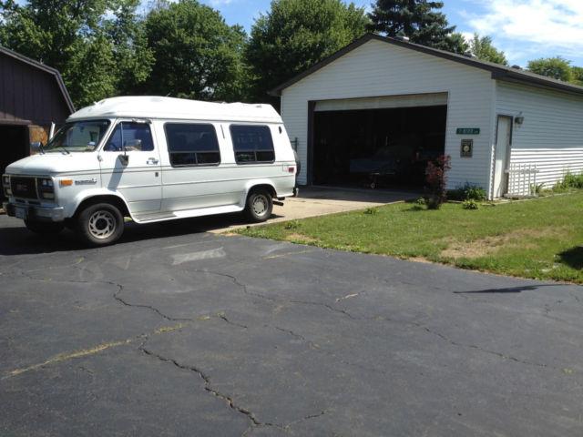GMC Vandura 2500 TIARA Conversion Van