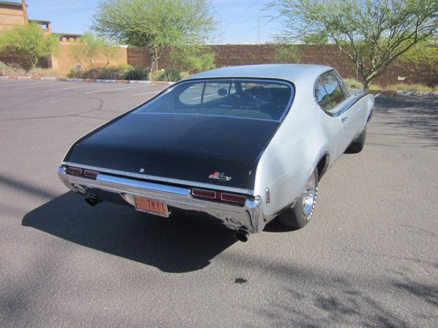 Oldsmobile 442 Coupe 1968 Silver For Sale  HURST OLDSMOBILE