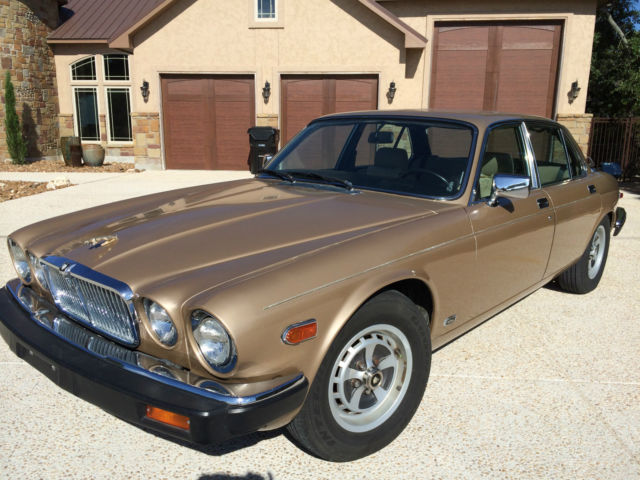 jaguar xj6 4 door sedan 1985 gold for sale. Black Bedroom Furniture Sets. Home Design Ideas