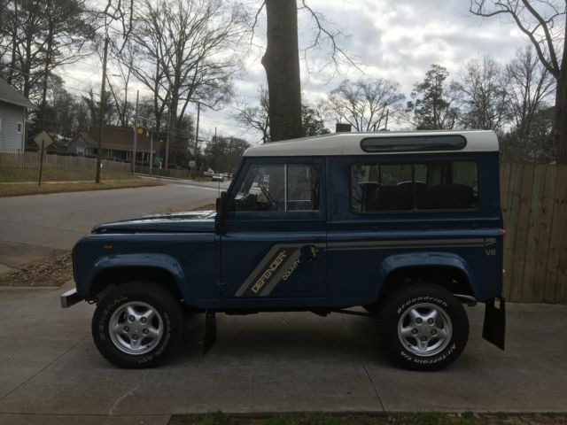 Land Rover Defender [xfgiven_type]%xfields_type%[/xfgiven_type] 1986