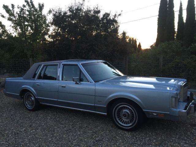 Lincoln Town Car 1988 Blue For Sale 1lnbm81f1jy651988 Lincoln Town