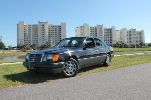 Mercedes-Benz 300-Series 1993 Black For Sale