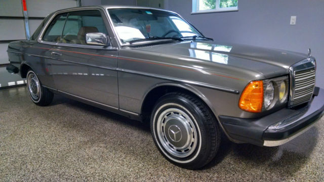 Mercedes-Benz 300-Series Coupe 1985 Gray For Sale